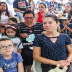 Empresas doam óculos a estudantes do Jardim D'Ávila